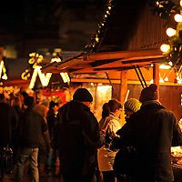 23-12-10 Christmas Shoppers