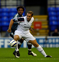 Fotball<br /> England 2005/2006<br /> Foto: SBI/Digitalsport<br /> NORWAY ONLY<br /> <br /> Bolton Wanderers v Newcastle United. The Barclays Premiership. 24/08/2005.<br /> <br /> Bolton's Kevin Davies (R) holds off Newcastle's Celestine Babayaro