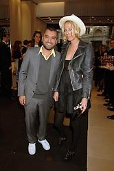 Designer EDMUNDO CASTILLO and the HON.SOPHIA HESKETH at a party at shoe store Sergio Rossi, 207 Sloane Street, London on 4th April 2007.<br /><br />NON EXCLUSIVE - WORLD RIGHTS