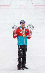 26.03.2017, Planica, Ratece, SLO, FIS Weltcup Ski Sprung, Planica, Siegerehrung, im Bild Gesamtweltcup- und Skiflug Weltcup Sieger, Doppelweltmeister, Silbermedaillen und Bronzemedaillengewinner Stefan Kraft (AUT) // Overall World Cup Ski Flying World Cup winner RAW Air Winner World Champion Silver Medal and Bronze Medalist Stefan Kraft of Austria during award winner ceremony after the Ski Flying Hill Individual competition of the FIS Ski Jumping World Cup Final 2017 at Planica in Ratece, Slovenia on 2017/03/26. EXPA Pictures © 2017, PhotoCredit: EXPA/ JFK
