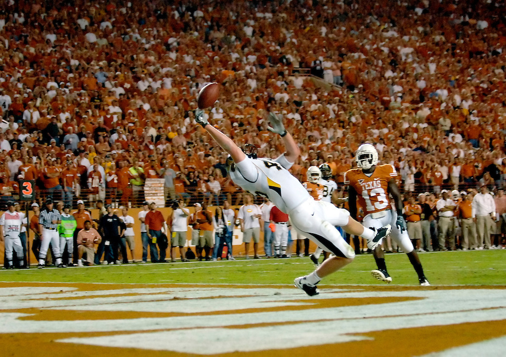 Missouri tight end Chase Coffman bobbles a catch in the end zone during the second quarter against the University of Texas at Austin.