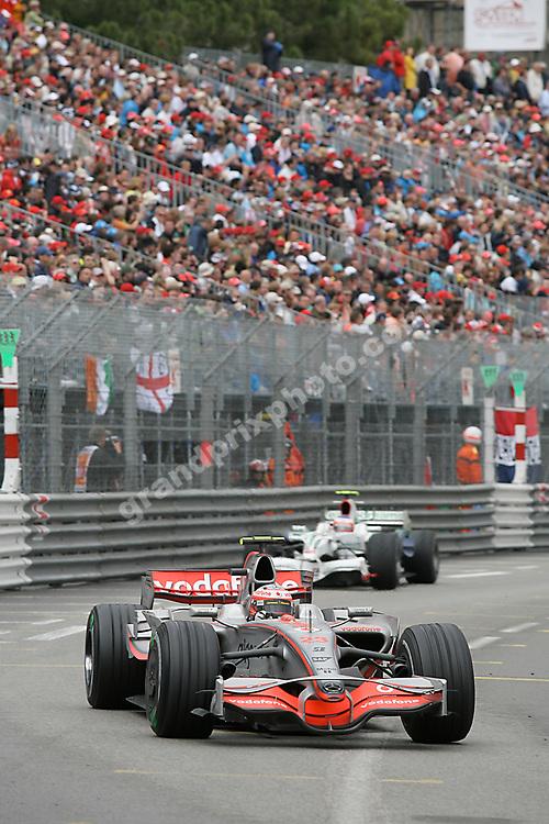 Heikki Kovalainen in fron of Rubens Barichello (Honda)  in the 2008 Monaco Grand Prix. Photo: Grand Prix Photo