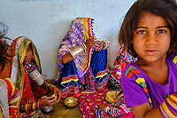 Inde, Gujarat, Kutch, village de Hodka, population d'ethnie Meghwal // India, Gujarat, Kutch, Hodka village, Meghwal ethnic group