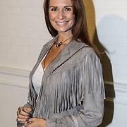 NLD/Amsterdam/20150128 - Modeshow Danie Bles 2015, Leontien Borsato - Ruiters
