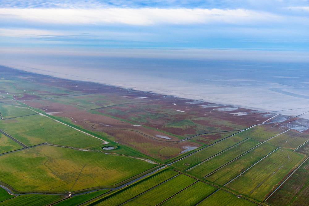 Nederland, Friesland, Het Bildt, gemeente Waadhoeke, 04-11-2018; Noord-Friesland Buitendijks, kweldergebied Noorderleeg. Waddenkust en landaanwinning ter hoogte van Ferwert.<br /> Fries: Noarderleech , onderdeel van Noard-Fryslân Bûtendyks.<br /> Frisian coast, salt marsh and mudflat area with land reclamation.<br /> luchtfoto (toeslag op standaard tarieven);<br /> aerial photo (additional fee required);<br /> copyright © foto/photo Siebe Swart