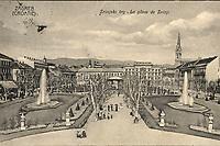 Zagreb (Croatie) : Zrinjski trg = La place de Zrinji. <br /> <br /> ImpresumZagreb : Naklada papirnice A. Brusina, [1906].<br /> Materijalni opis1 razglednica : tisak ; 8,9 x 13,8 cm.<br /> SuradnikMosinger, Rudolf(1865.–1918.)<br /> NakladnikTiskara A. Brusina<br /> Vrstavizualna građa • razglednice<br /> ZbirkaGrafička zbirka NSK • Zbirka razglednica<br /> ProjektPozdrav iz Zagreba • Pozdrav iz Hrvatske<br /> Formatimage/jpeg<br /> PredmetZagreb –– Trg Nikole Šubića Zrinskog<br /> SignaturaRZG-ZRIN-13<br /> Obuhvat(vremenski)20. stoljeće<br /> NapomenaRazglednica je putovala 1906. godine. • Uz lijevi rub na poleđini razglednice otisnut je monogram Rudolfa Mosingera.<br /> PravaJavno dobro<br /> Identifikatori000953256<br /> NBN.HRNBN: urn:nbn:hr:238:061570 <br /> <br /> Izvor: Digitalne zbirke Nacionalne i sveučilišne knjižnice u Zagrebu