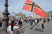"""29 AUG 2020, BERLIN/GERMANY:<br /> Demonstratin mit der rot-gelb-schwarzen sog. Wirmer-Flagge, auch Flagge Deutscher Widerstand 20. Juli oder Stauffenberg-Flagge genannt, wird auch auf Pegida-Demonstrationen in Dresden verwendet. Demonstration gegen die Einschraenkungen in der Corona-Pandemie durch die Initiative """"Querdenken 711"""" aus Stuttgart unter dem Motto """"invites Europa - Fest für Freiheit und Frieden"""", Unter den Linden/Pariser Plastz/Friedrichstrasse<br /> IMAGE: 20200829-01-003<br /> KEYWORDS: Demo, Protest, Demosntranten, Protester, COVID-19, Corona-Demo, Pegida-Fahne"""