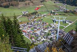 THEMENBILD - Enorm große Windwurfflächen erinnern in Osttirol an das Sturmtief Vaia, das Ende Oktober 2018 Teile des Bezirkes heimsuchte. Besonders stark in Mitleidenschaft gezogen wurden damals das Kalsertal mit 425 Hektar Waldfläche. Hier im Bild Stützwerk zur Lawinenverbauung wird mittels Transporthelikopter im Dorferwald zur Sicherung des Ortsteiles Grossdorf errichtet. Aufgenommen am Donnerstag 24. Oktober 2019 in Kals am Grossglockner // Enormously large windthrow areas in East Tyrol are reminiscent of the stormfront Vaia, which struck parts of the district at the end of October 2018. At that time the Kalsertal with 425 hectares of woodland was particularly badly affected. Here in the picture Avalanche defense support structure is being built by means of transport helicopters in the village forest to secure the Grossdorf village. Taken on Thursday, October 24, 2019 in Kals am Grossglockner. EXPA Pictures © 2019, PhotoCredit: EXPA/ Peter Gruber. EXPA Pictures © 2019, PhotoCredit: EXPA/ Peter Gruber
