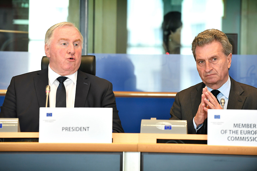 12 May 2017, 123rd Plenary Session of the European Committee of the Regions <br /> Belgium - Brussels - May 2017 <br /> <br /> LAMBERTZ Karl-Heinz and Günther H. Oettinger, Commissioner for Budget and Human Resources