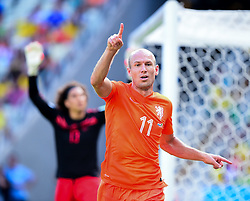 29.06.2014, Castelao, Fortaleza, BRA, FIFA WM, Niederlande vs Mexico, Achtelfinale, im Bild Arjen Robben (Niederlande) jubelt // during last sixteen match between Netherlands and Mexico of the FIFA Worldcup Brazil 2014 at the Castelao in Fortaleza, Brazil on 2014/06/29. EXPA Pictures © 2014, PhotoCredit: EXPA/ fotogloria/ Best Photo Agency<br /> <br /> *****ATTENTION - for AUT, FRA, POL, SLO, CRO, SRB, BIH, MAZ only*****