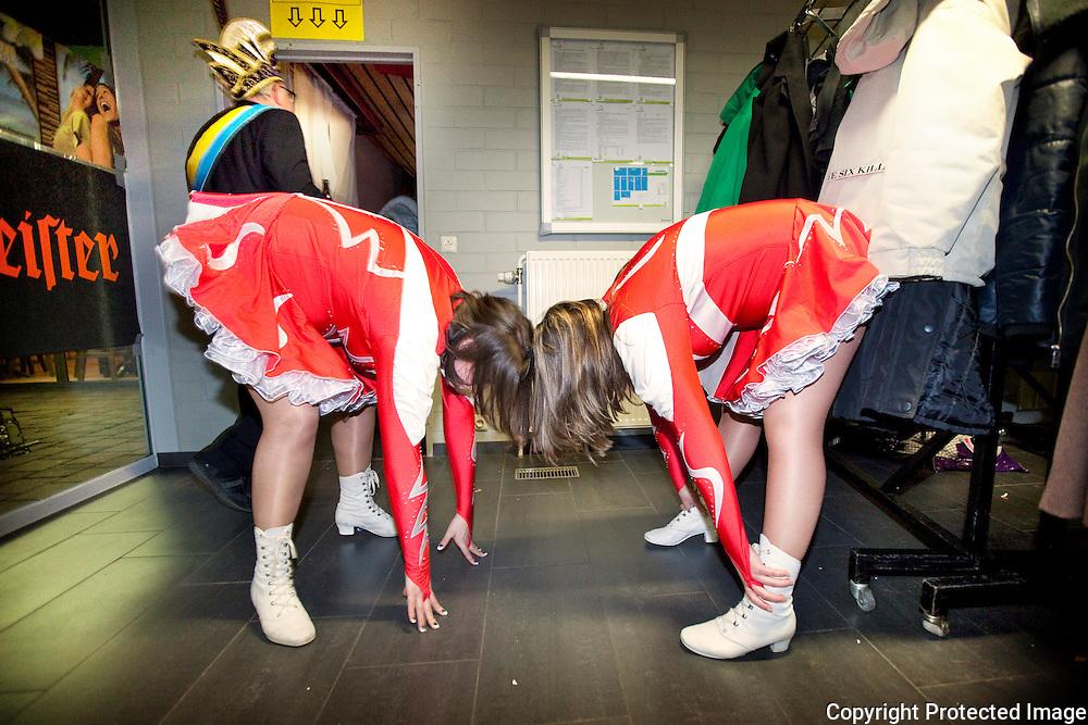 376018-Reportage over de dansmariekes van Westerlo-carnavalbal Herenthout-Foto's Joren De Weerdt - JDW