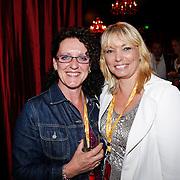NLD/Amsterdam/20101007 - Europesche premiere Cirque du Soleil Totem, Greet van Vossen en dochter
