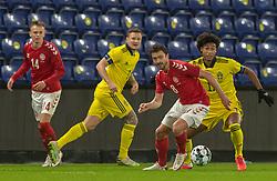 Thomas Delaney (Danmark) og Jens-Lys Cajuste (Sverige) under venskabskampen mellem Danmark og Sverige den 11. november 2020 på Brøndby Stadion (Foto: Claus Birch).