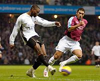 Photo: Ed Godden.<br /> West Ham United v Manchester United. The Barclays Premiership. 17/12/2006. Man Utd's Louis Saha crosses the ball into the box.