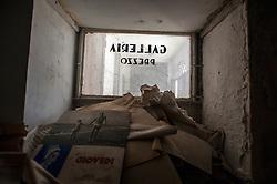 Alessano LE, 02 ottobre 2013<br /> Immagini del Cinema Arcobaleno di Alessano in disuso oramai da diversi anni.<br /> <br /> Pictures of an old Cinema in the small town of Alessano (Lecce) in Apulia Region.<br /> The Cinema has been closed down more than 20 years ago.<br /> <br /> © Kash Gabriele Torsello
