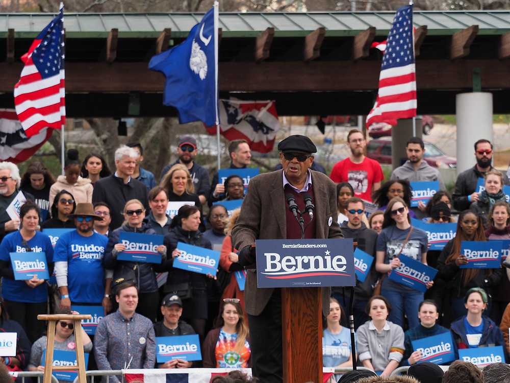 Former Berkeley Mayor Gus Newport addresses supporters of Presidential candidate Bernie Sanders at the final South Carolina rally before the February 29 primary vote.