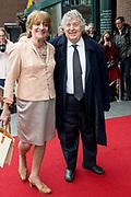 80e verjaardag van Prof. mr. Pieter van Vollenhoven in theater Figi in Zeist<br /> <br /> 80th birthday of Prof. dr. Pieter van Vollenhoven in the Figi theater in Zeist<br /> <br /> Op de foto / On the photo:   Tonny Eyk en partner