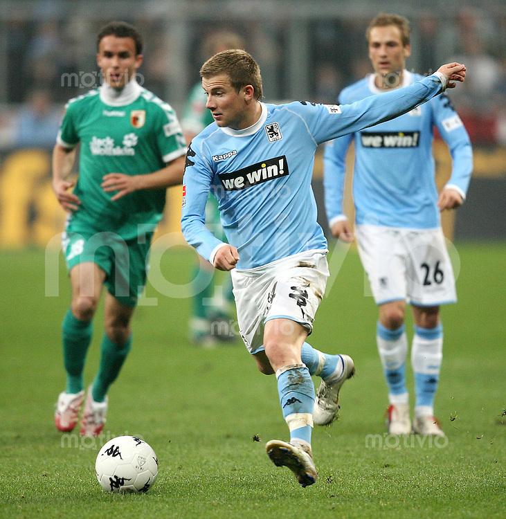 Fussball 2. Bundesliga Saison 2006/2007    26. Spieltag 1860 Muenchen 0-3 FC Augsburg Daniel Baier (1860) am Ball