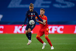 NICE, FRANCE - Wednesday, June 2, 2021: France's Antoine Griezmann (L) and Wales' Joe Rodon during an international friendly match between France and Wales at the Stade Allianz Riviera ahead of the UEFA Euro 2020 tournament. (Pic by Simone Arveda/Propaganda)