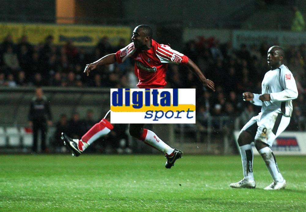 Photo: Adam Davies.<br /> Swansea City v Swindon Town. Coca Cola League 1. <br /> 11/04/2006.<br /> Swindon's Aaron Brown takes a shot.