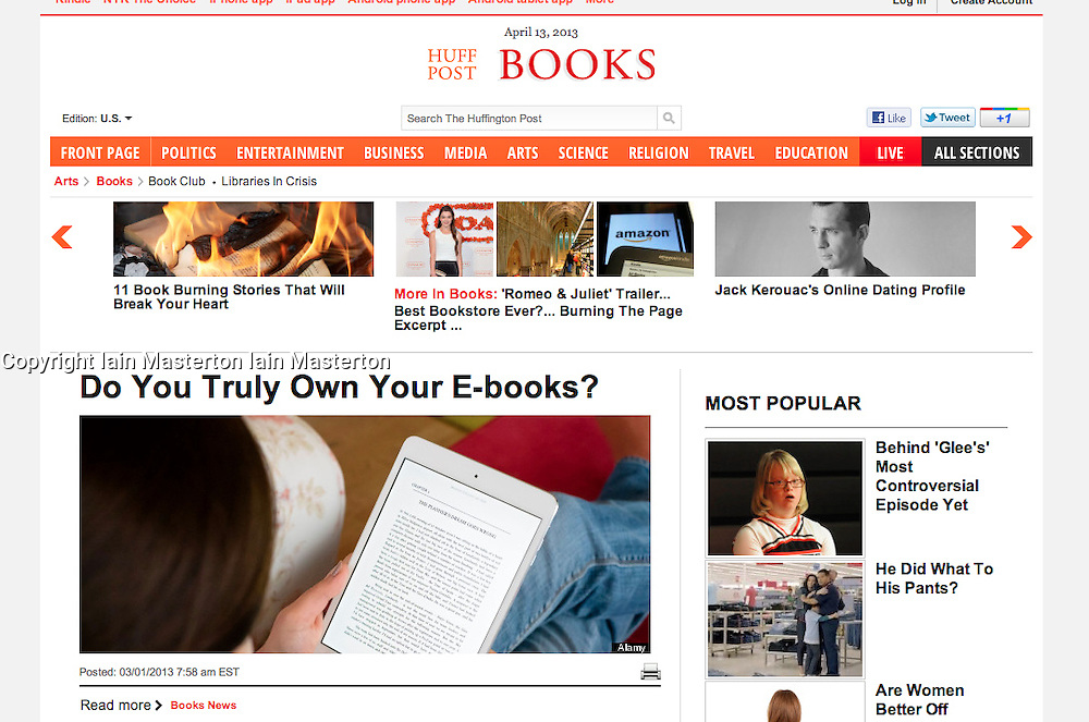 Huffington Post, Books;Reading ebook on iPad Mini
