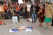 Her Majesty the queen and members of the royal family celebrate Saturday 29 April 2006 Queensday in the province flevoland in the cities  Zeewolde and almere.<br /> <br /> Hare Majesteit de Koningin en leden van de Koninklijke Familie vieren zaterdag 29 april 2006 Koninginnedag mee in de provincie Flevoland en wel in Zeewolde en Almere.<br /> <br /> On the Photo / Op dce foto: <br /> Queen Beatrix and major Jorritsma look with George Geutjes the portrait paints of CKV (centre artistic shaping) in almere /<br /> Koningin Beatrix en burgemeester Jorritsma bekijken samen met George Geutjes het portret schilderen van CKV (Centrum Kunstzinnige Vorming) in Almere.