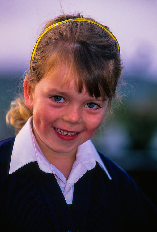 Irish girl, Milltown, Dingle Peninsula, County Kerry, Ireland