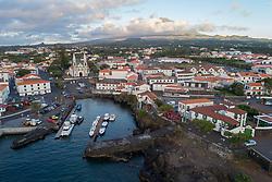 Luftaufnahme vom Hafen von Madalena, Pico, Azoren, Atlantik, Atlantischer Ozean / Aerial view of Harbour of Madalena, Island Pico, Acores, Atlantic Ocean