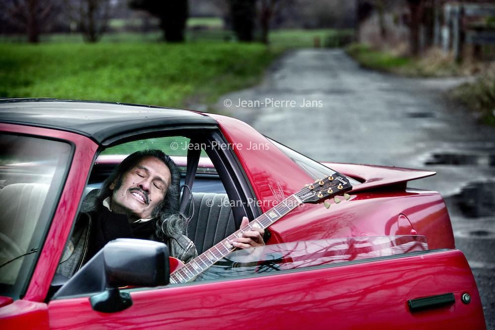 Duitsland,Moers ,7 januari 2008..Zanger, gitarist Andy Tielman,  van de legendarische Indorockband The Tielman Brothers. Andy Tielman is de zanger/gitarist van The Tielman Brothers. In 1966 brengt hij zijn eerste solosingle Little Lovely Lady uit.ndy Tielman is de zanger/gitarist van The Tielman Brothers. In 1966 brengt hij zijn eerste solosingle Little Lovely Lady uit.