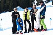 Fotosessie met de koninklijke familie in Lech /// Photoshoot with the Dutch royal family in Lech .<br /> <br /> Op de foto/ On the photo:  Prinses Laurentien en Prins Constantijn met haar kinderen Prinses Eloise , Prins Claus-Casimir , Prinses Leonore  en Prinses Beatrix