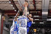 DESCRIZIONE : Beko Legabasket Serie A 2015- 2016 Dinamo Banco di Sardegna Sassari - Enel Brindisi<br /> GIOCATORE : Alexander Harris<br /> CATEGORIA : Tiro Penetrazione Sottomano<br /> SQUADRA : Enel Brindisi<br /> EVENTO : Beko Legabasket Serie A 2015-2016<br /> GARA : Dinamo Banco di Sardegna Sassari - Enel Brindisi<br /> DATA : 18/10/2015<br /> SPORT : Pallacanestro <br /> AUTORE : Agenzia Ciamillo-Castoria/C.Atzori