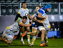 Brad Shields and Joe Launchbury of Wasps tackle Zach Mercer of Bath Rugby - Mandatory by-line: Andy Watts/JMP - 08/01/2021 - RUGBY - Recreation Ground - Bath, England - Bath Rugby v Wasps - Gallagher Premiership Rugby