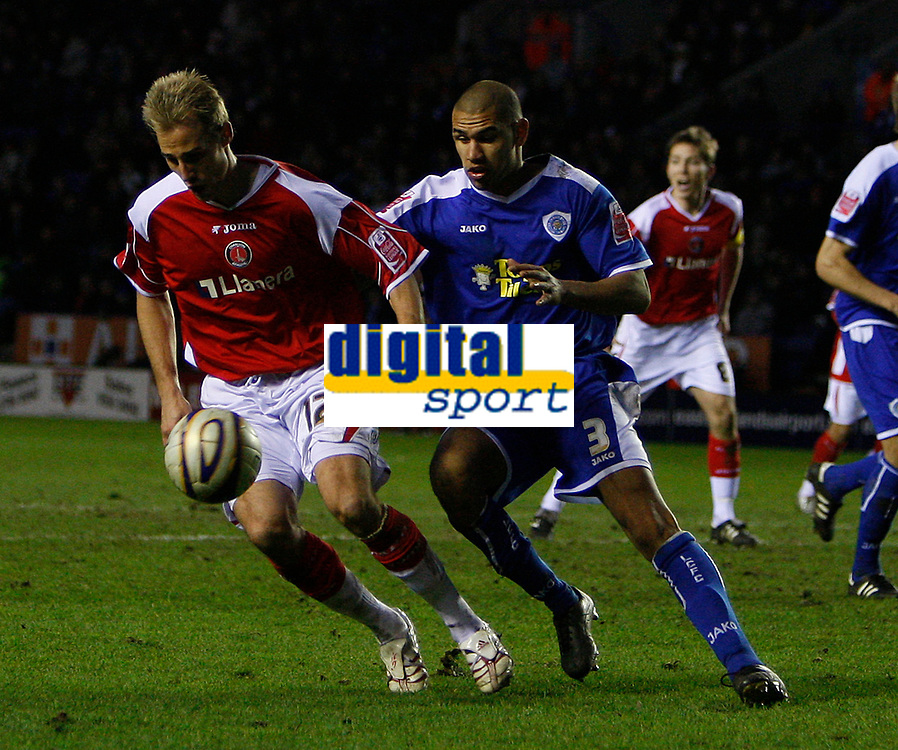 Photo: Steve Bond/Sportsbeat Images.<br /> Leicester City v Charlton Athletic. Coca Cola Championship. 29/12/2007. Luke Varney (L) shields the ball from Patrick Kisnorbo (R)