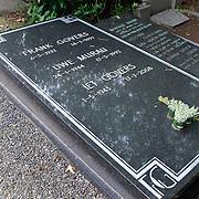 NLD/Amsterdam/20110729 - Begraafplaats Zorgvlied, graf Frank Govers