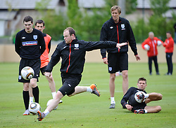 19.05.2010, Arena, Irdning, AUT, FIFA Worldcup Vorbereitung, Training England, im Bild Adam Johnson (Manchester City), Wayne Rooney (Manchester United), Peter Crouch (Tottenham Hotspur), Steven Gerrard (FC Liverpool), EXPA Pictures © 2010, PhotoCredit: EXPA/ S. Zangrando / SPORTIDA PHOTO AGENCY