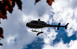 09.09.2016, Heiligenblut, AUT, Kunstflieger Hannes Arch stirbt bei Hubschrauberabsturz, Der österreichische Red Bull Air Race-Pilot Hannes Arch ist in der Nacht auf 9. September bei einem Hubschrauberabsturz im Großglocknergebiet in Kärnten ums Leben gekommen. Arch hatte mit seinem Hubschrauber einen Transportflug zu einer Hütte absolviert. Ein zweiter Hubschrauberinsasse wurde beim Absturz schwerst verletzt, im Bild Polizeihubschrauber Libelle Kärnten mit dem Leichnam des verunglückten Piloten Hannes Arch am Landeplatz bei der Einsatzzentrale Heiligenblut // Police Helicopter Libelle Carinthia with the dead body of the crashed pilot Hannes Arch at the landing site at the operation center Heiligenblut The Austrian Red Bull Air Race pilot Hannes Arch came at night on September 9 in a helicopter crash in the Grossglockner area killed. Arch had graduated with his helicopter transport flight to a hut. A second helicopter passenger was severely injured in the crash Heiligenblut, Austria on 2016/09/09. EXPA Pictures © 2016, PhotoCredit: EXPA/ JFK