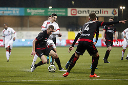 (L-R), Robert Braber of Helmond Sport, Mohamed Hamdaoui of Telstar during the Jupiler League match between Telstar and Helmond Sport at the Tata steel stadium on March 09, 2018 in Velsen-Zuid, The Netherlands