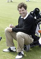 NOORDWIJK - Roel Timmermans vult zijn scorekaart in. .    Stern Open (Nationaal Open) op de Noordwijkse GC . COPYRIGHT  KOEN SUYK