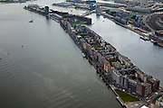 Nederland, Amsterdam, Oostelijk Havengebied,  25-05-2010. Java-eiland met Sumatrakade in de voorgrond. Op het tweede plan KNSM-eiland en Verbindingsdam naar Boreo-Sporenburg..Former Eastern Docklands..luchtfoto (toeslag), aerial photo (additional fee required).foto/photo Siebe Swart