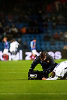 Fotball , 05. Oktober 2012, Tippeligaen , Eliteserien <br /> Vålerenga IF - Strømsgodset IF<br /> Øyvind Storflor ligger nede og får behandling for en skade <br /> Foto: Sjur Stølen , Digitalsport