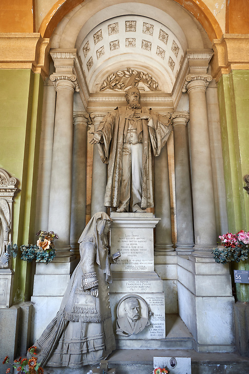 Picture and image of the realistic stone sculpture of a women praying at the monumental tomb of Luigi Priario by sculptor Paernio 1880,  the Staglieno Monumental Cemetery, Genoa, Italy .<br /> <br /> Visit our ITALY PHOTO COLLECTION for more   photos of Italy to download or buy as prints https://funkystock.photoshelter.com/gallery-collection/2b-Pictures-Images-of-Italy-Photos-of-Italian-Historic-Landmark-Sites/C0000qxA2zGFjd_k<br /> If you prefer to buy from our ALAMY PHOTO LIBRARY  Collection visit : https://www.alamy.com/portfolio/paul-williams-funkystock/camposanto-di-staglieno-cemetery-genoa.html