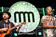 Nederland, Nijmegen, 9-6-2019 MusicMeeting . Betsayda Machado & Parranda el Clavo . Festivalterrein in park Brakkenstein. Traditioneel met pinksteren. Optredens van acts, bands, artiesten uit de wereld muziek, worldmusic . Publiek . Foto: Flip Franssen