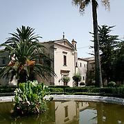 La fontana dei Giardini Iblei a Ragusa Ibla..The fountain of the Iblei gardens in Ragusa Ibla
