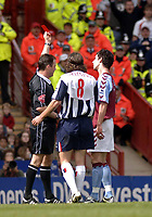 Fotball<br /> Premier League 2004/05<br /> Aston Villa v West Bromwich<br /> 10. april 2005<br /> Foto: Digitalsport<br /> NORWAY ONLY<br /> Villa's Liam Ridgewell (R) is shown the red card by referee Rob Styles after an altercation with Jonathan Greening (C)
