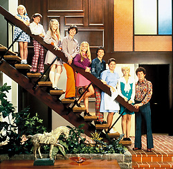 1995; The Brady Bunch. Original Film Title: The Brady Bunch, PICTURED: SHELLEY LONG, GARY COLE, CHRISTINE TAYLOR, CHRISTOPHER DANIEL BARNES, JENNIFER ELISE COX, PAUL SUTERA, OLIVIA HACK, JESSE LEE, HENRIETTE MANTEL, Director: Betty Thomas, IN CAST: Shelley Long, Gary Cole, Christine Taylor, Christopher Daniel Barnes, Jennifer Elise Cox, Paul Sutera, Olivia Hack, Jesse Lee, Henriette Mantel  (Credit Image: © Entertainment Pictures/Entertainment Pictures/ZUMAPRESS.com)