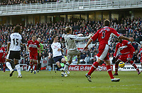 Photo: Andrew Unwin.<br /> Middlesbrough v Tottenham Hotspur. The Barclays Premiership. 18/12/2005.<br /> Tottenham's Robbie Keane (C) fires home his team's first goal.