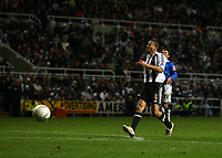 Photo: Andrew Unwin.<br /> Newcastle United v Birmingham City. The FA Cup. 17/01/2007.<br /> Newcastle's Kieron Dyer grimmaces as another chance gets away from him.