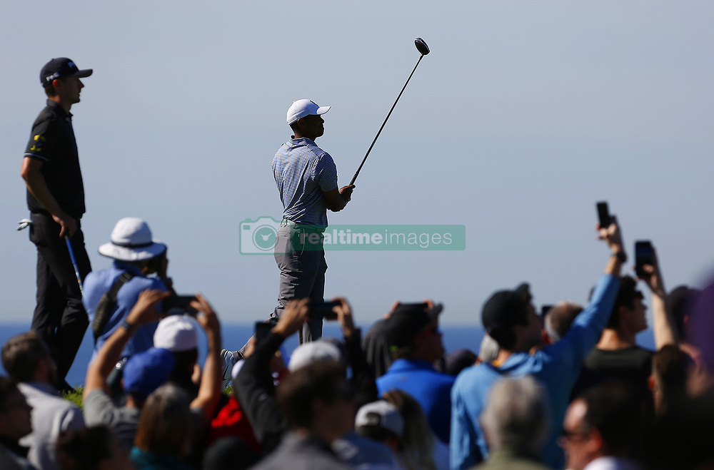 January 26, 2019 - San Diego, CA, USA - Tiger Woods tees off on the 4th hole during the third round of the Farmers Insurance Open at the Torrey Pines Golf Course in San Diego on Saturday, Jan. 26, 2019. (Credit Image: © K.C. Alfred/San Diego Union-Tribune/TNS via ZUMA Wire)