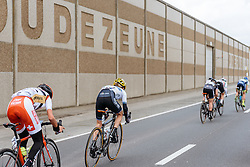 Splits start to show in the lead group as the race heads back toward Ieper - Women's Gent Wevelgem 2016, a 115km UCI Women's WorldTour road race from Ieper to Wevelgem, on March 27th, 2016 in Flanders, Belgium.