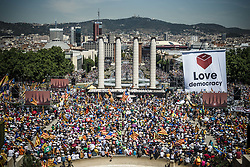 June 11, 2017 - Barcelona, Catalonia, Spain - Thousands of pro-independence Catalans gather at Barcelona's Montjuic Fountains to manifest their support of the recently announced referendum over Catalonia's independence from Spain in form of a republic at October 1st (Credit Image: © Matthias Oesterle via ZUMA Wire)